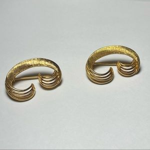 💥3 for $25💥 Vintage Coro Gold-tone Brooch (Signed)